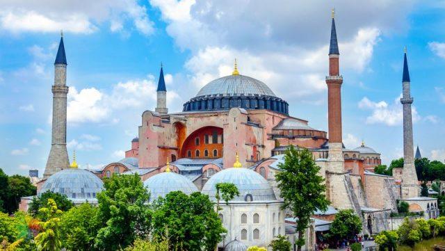 İstanbulda gezilecek en iyi yer Ayasofya